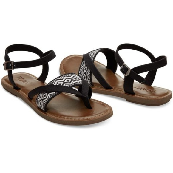 00d9d601561 TOMS Women s Lexie Embroidered Sandal New 12. M 5aa198cea44dbe385aa05257